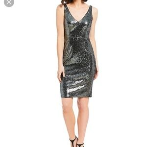 NWT Marina Silver Sequin V Neck Midi Dress Size: L